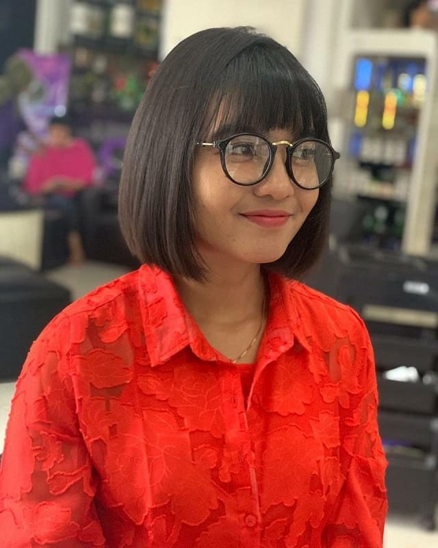 Straight Hair With Bangs for Women With Glasses