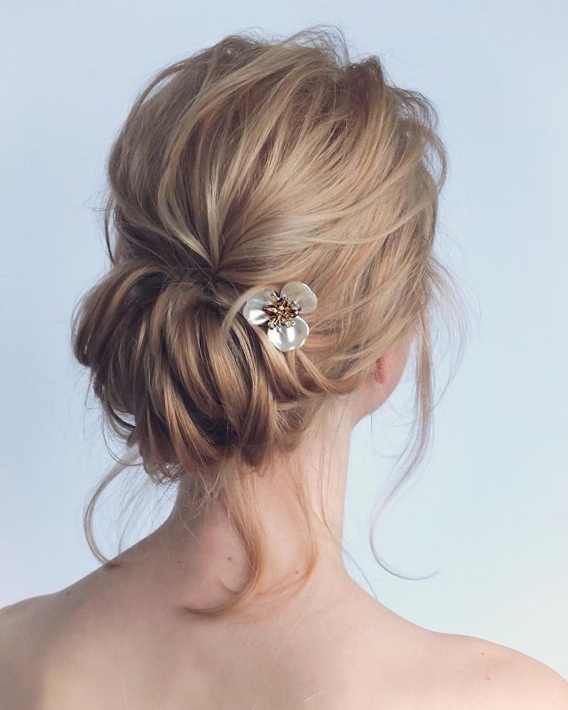 Medium Messy Bun