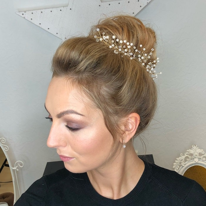 Messy Bun for Thin Hair