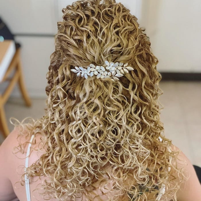 Blonde Curly Hairstyle for Wedding