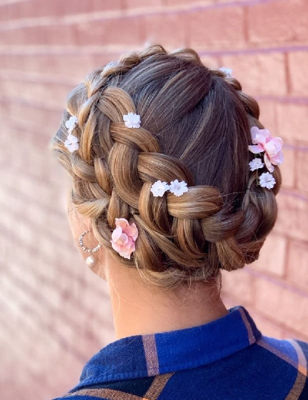 21 Photos Of Milkmaid Braid Prove This Is Trendy In 2020 Styledope