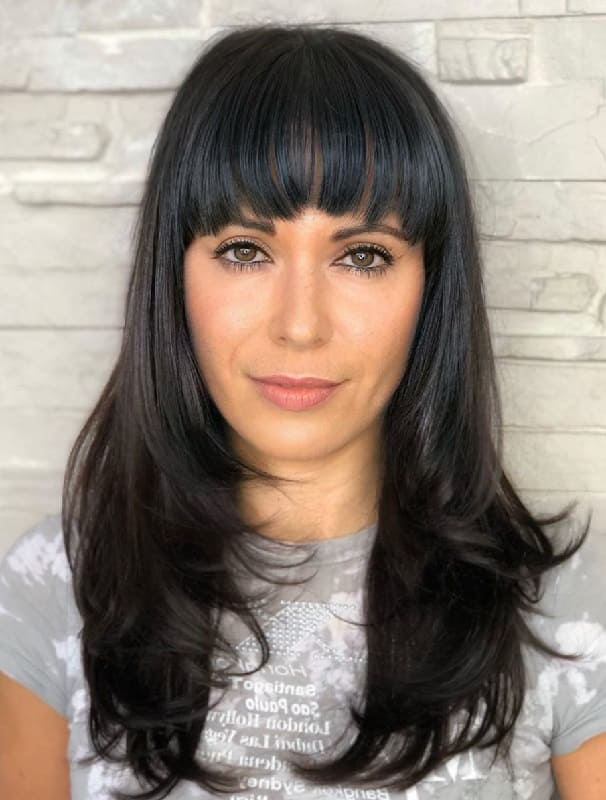 Haircut With Bangs And Layers For Oval Face